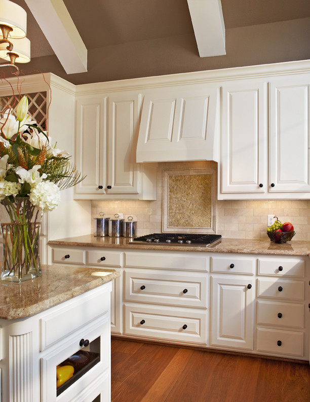 traditional-kitchen-12.jpg