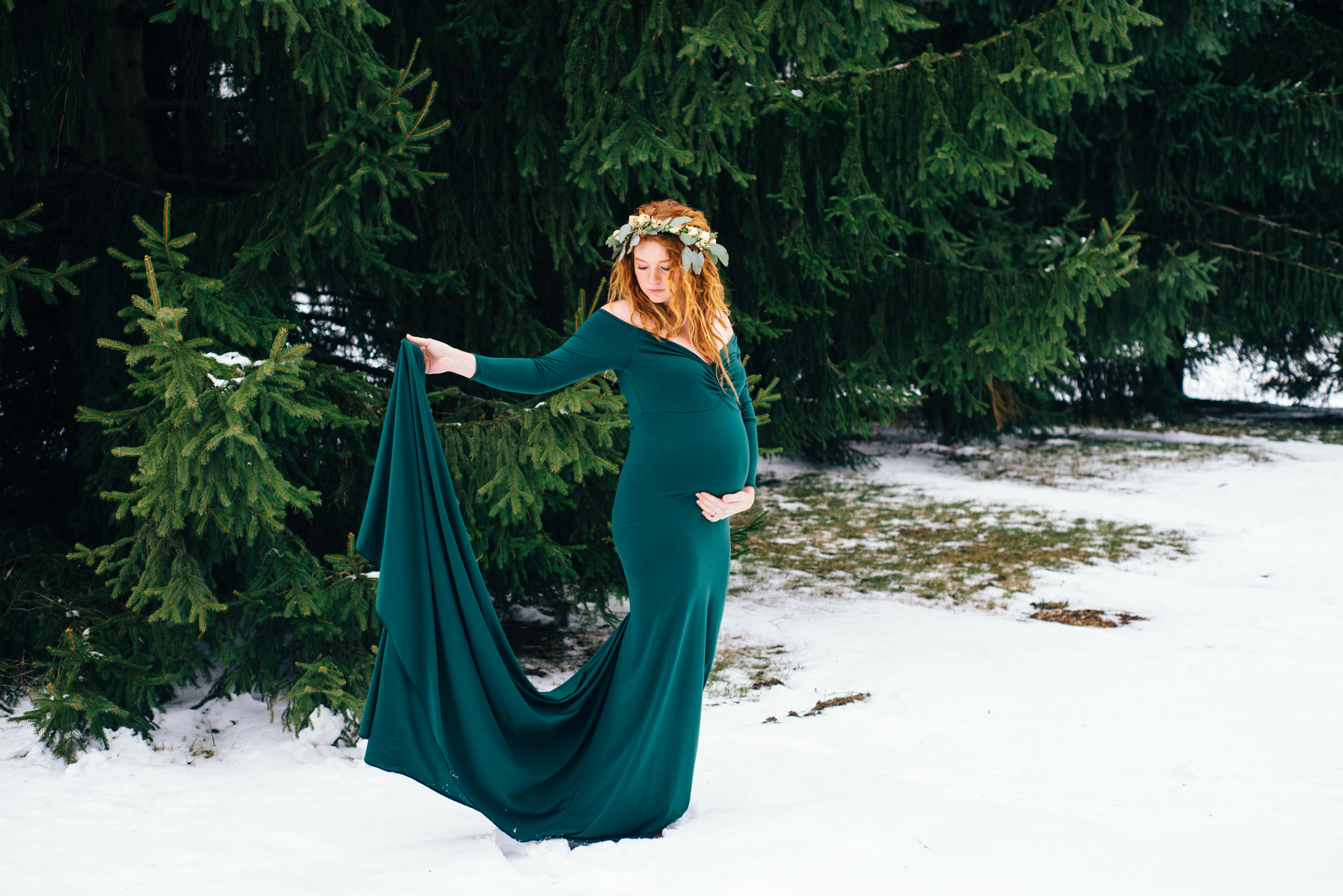 Winter Maternity Shoot-1.jpg