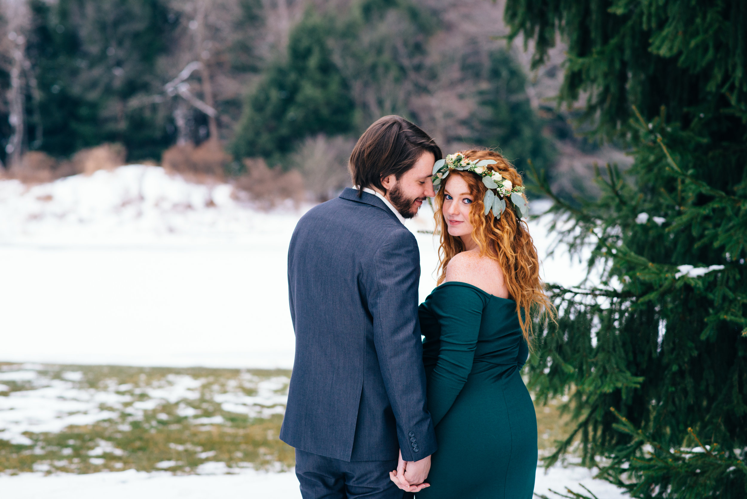 Winter Maternity Shoot-35.jpg