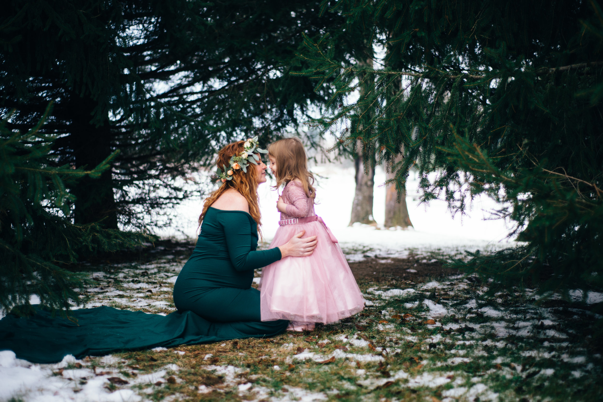 Winter Maternity Shoot-67.jpg