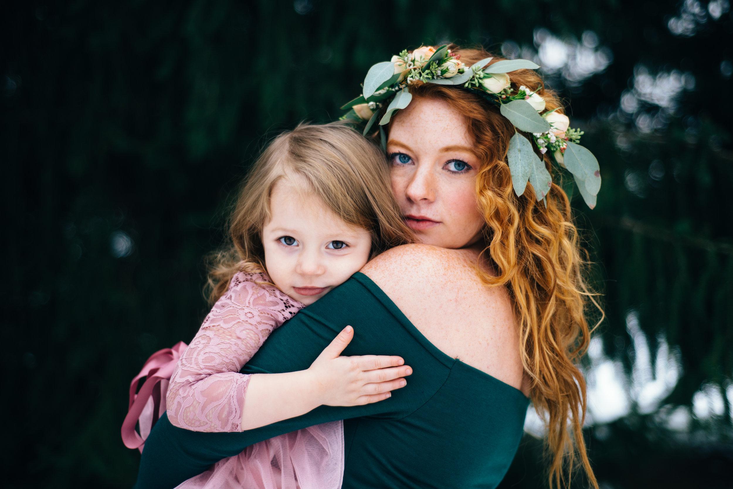 Winter Maternity Shoot-58.jpg