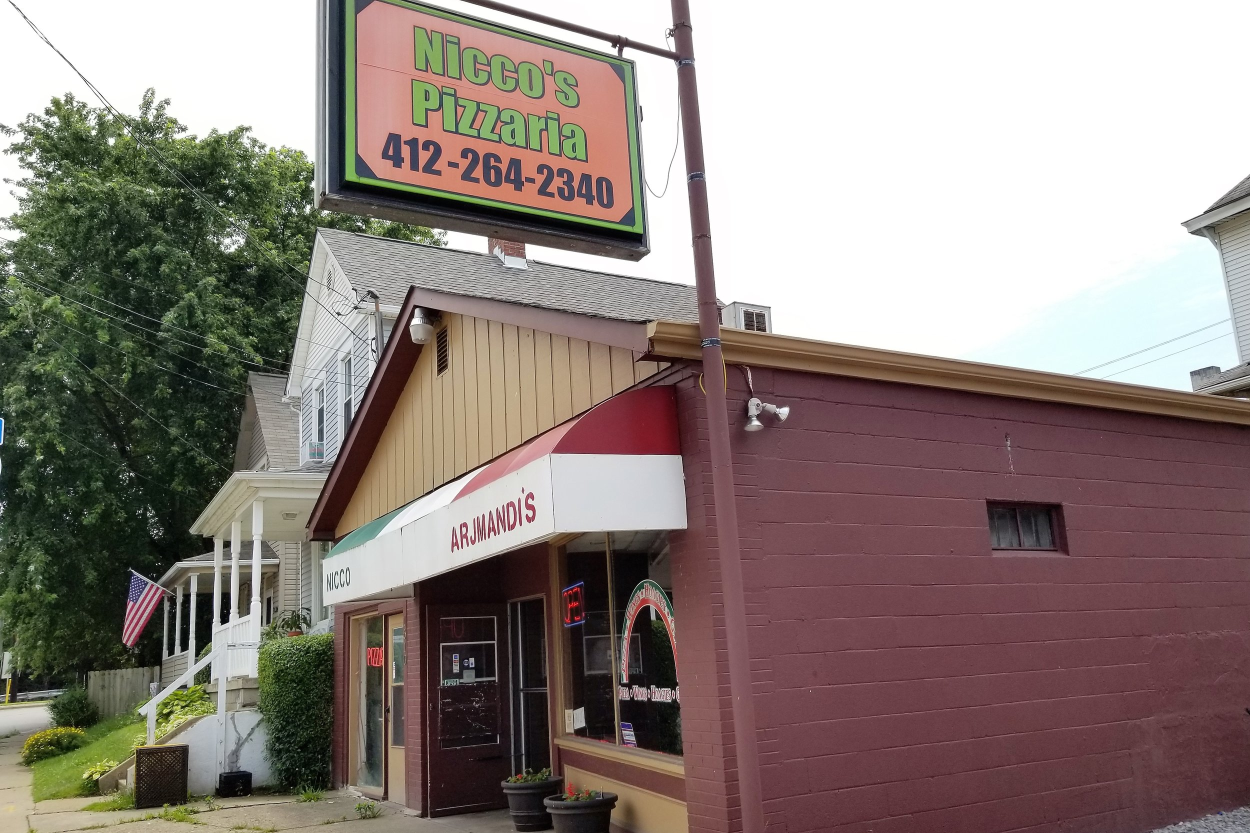 Nicco's Pizzaria - 1610 5th Ave, (412) 264-2340