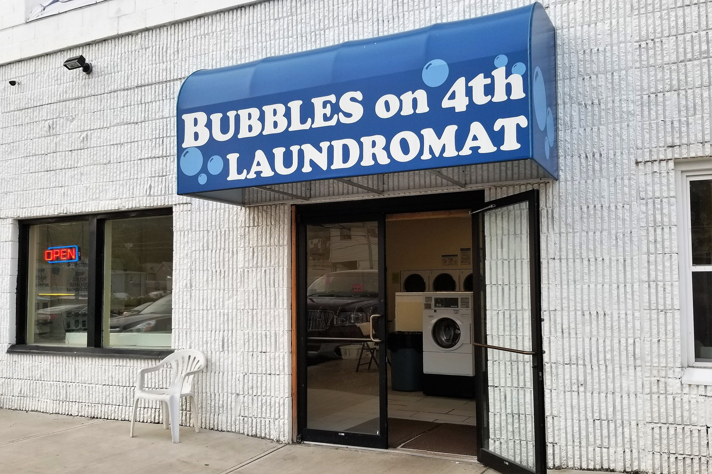 Bubbles on 4th Laundromat - 805 4th Ave, (412) 262-2731