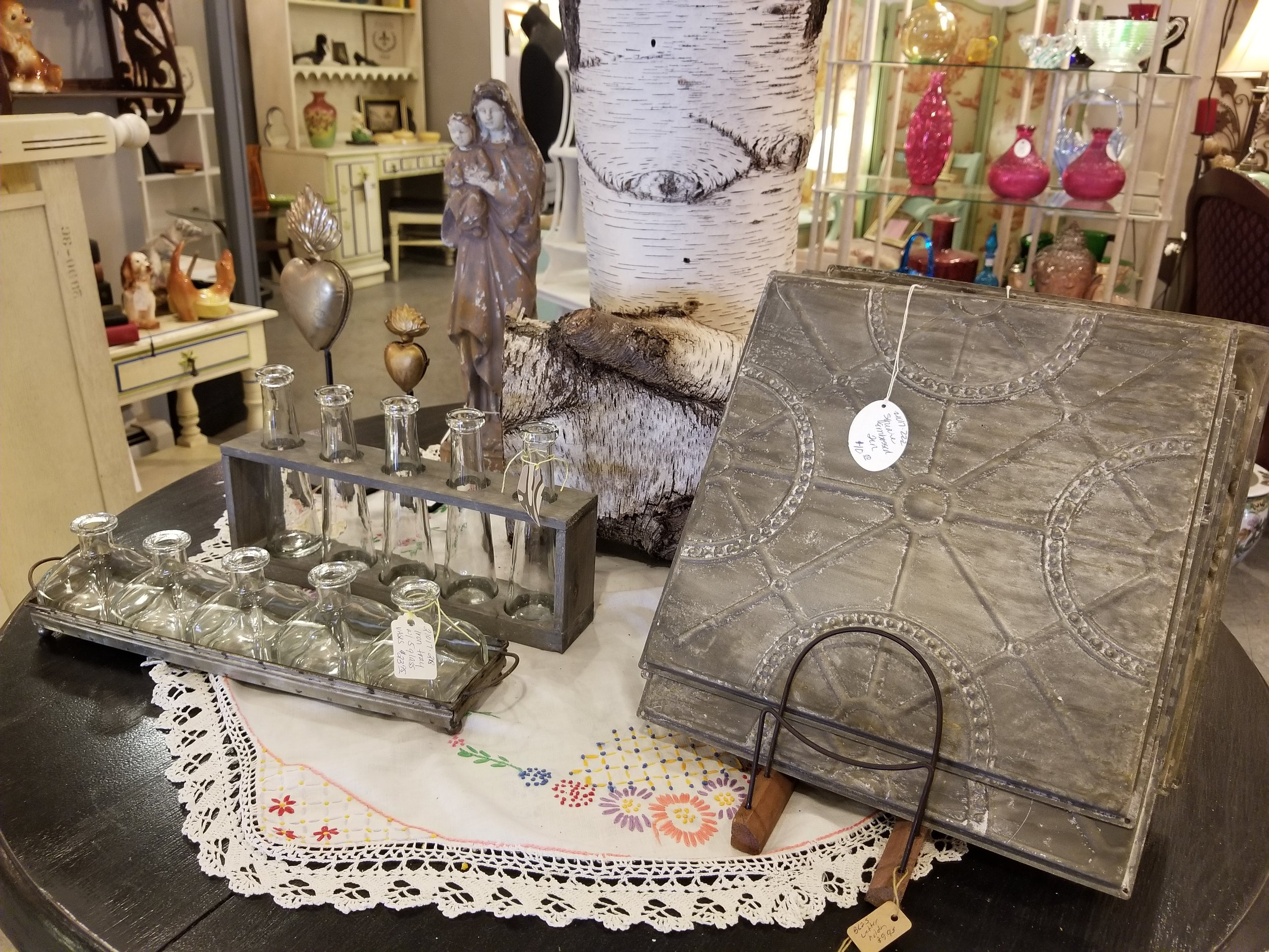 Off the Avenue Antiques - 1000 4th Ave, (412) 299-0877