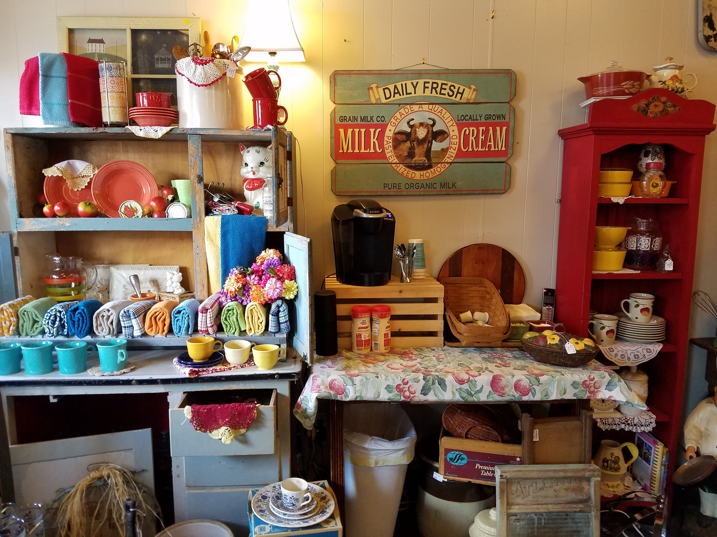 Emma Jean's Relics - 930 5th Ave, (412) 339-3999