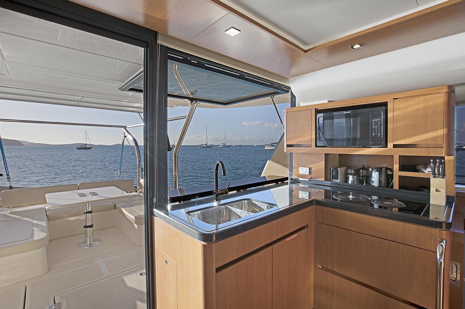 Champagne Sunset, Aquila 44 - Luxury Yachts Whitsundays