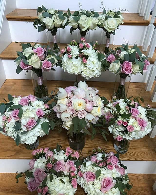Wedding party bouquets. #weddingseason2019 #weddingboquet #weddingparty #bridesmaid #matronofhonor #maidofhonor #mothersbouquet