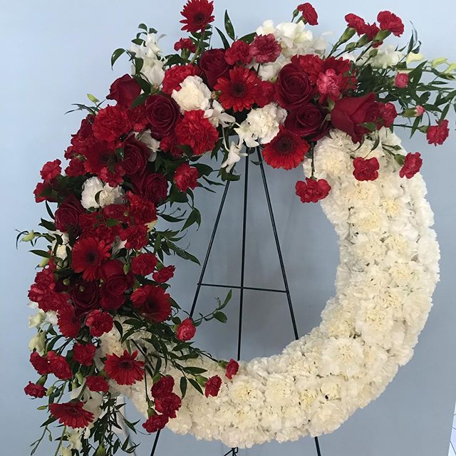 Rest In Peace Mr. Nguyen. #sympathypiece  #wreath #redwhiteflowers #funeral #atpeacenow @chemlsfordMa