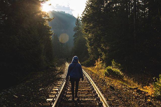 @christardi walking toward #nairnfalls #hike #nature #traintrack #sunflares #canadianrockies