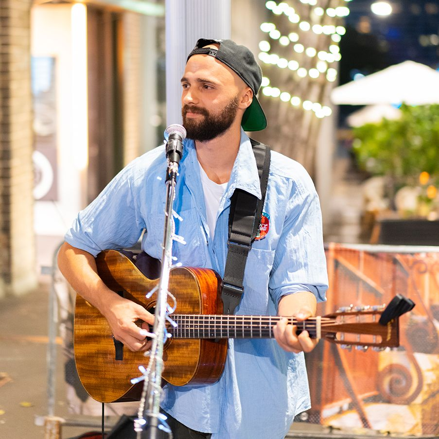 vivid sydney mark crotti acoustic music 2018 singer artist guy with hat.jpg