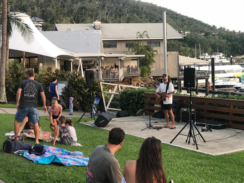 crotti-acoustic-music-marina-daze-hamilton-island-2019.png