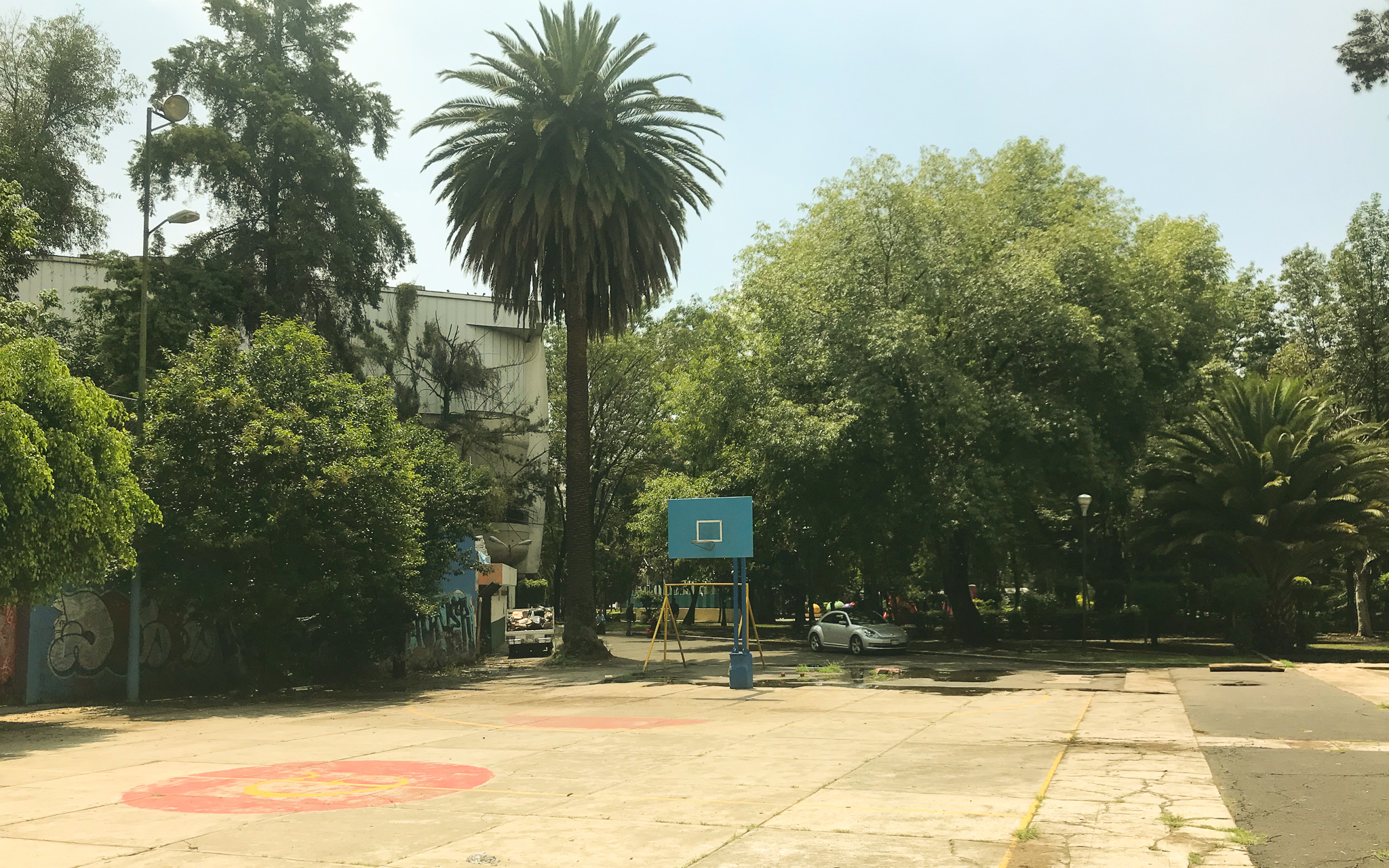 Mexico_City_Basketball_Hoops