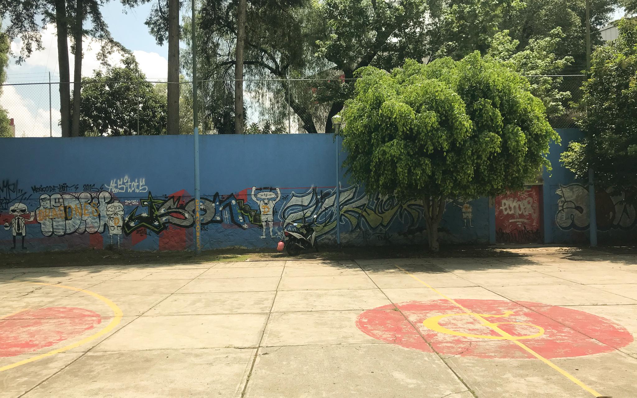 Outdoor_Basketball_Court_Mexico_City