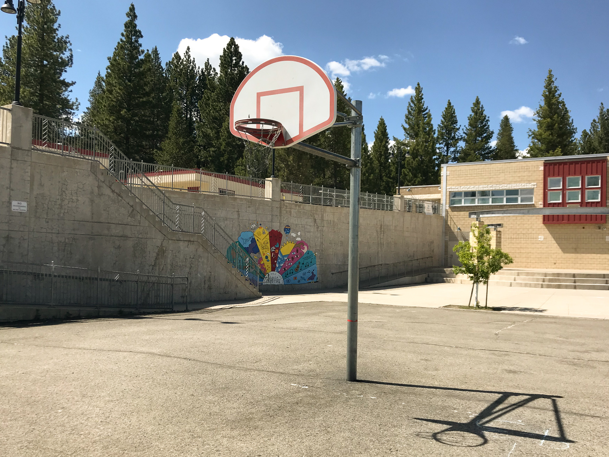 Truckee basketball courts