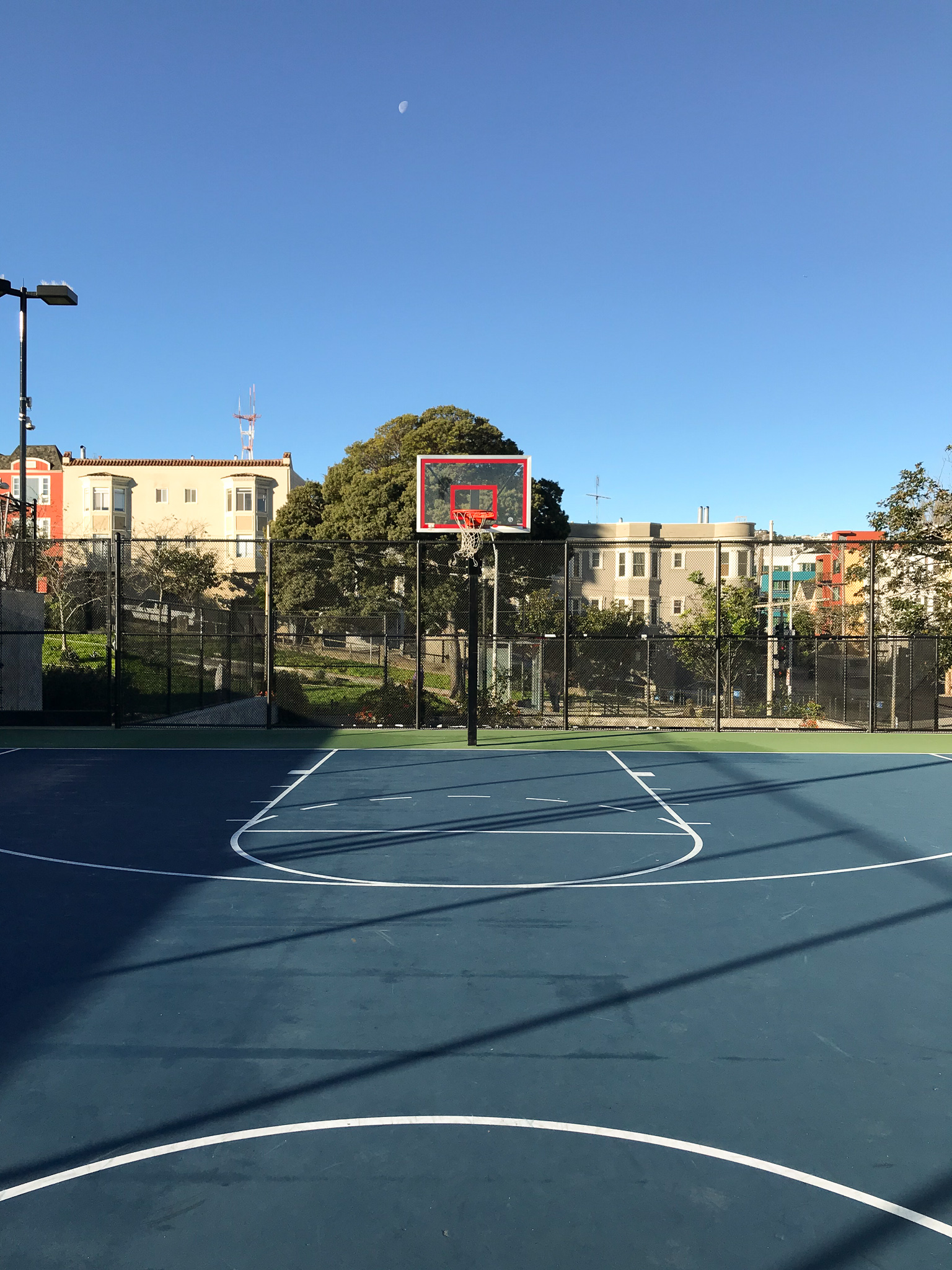 San Francisco basketball court at Dolores Park