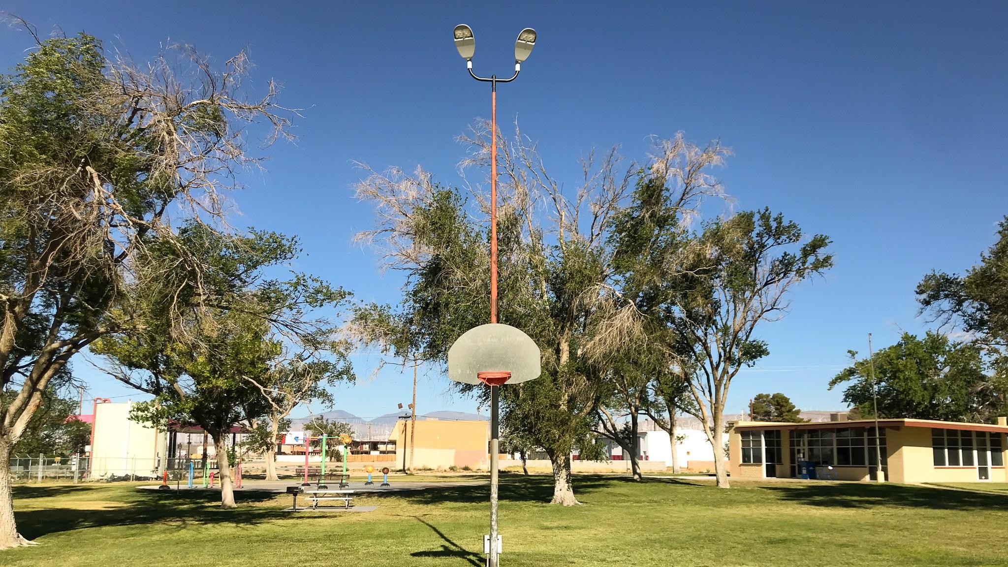 Mojave+basketball+court+in+the+desert