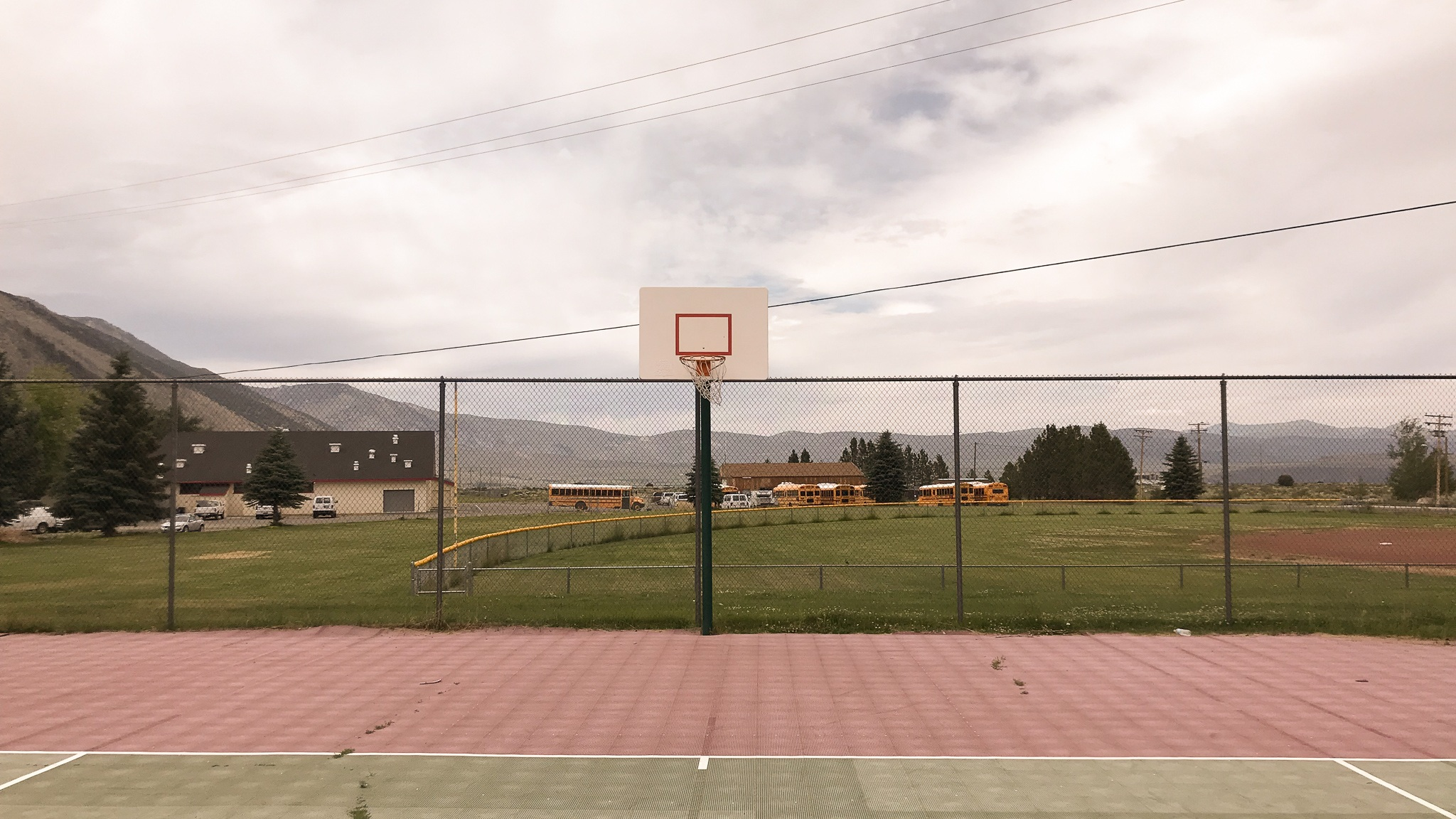 Basketball+court+in+rural+California+Lee+Vining