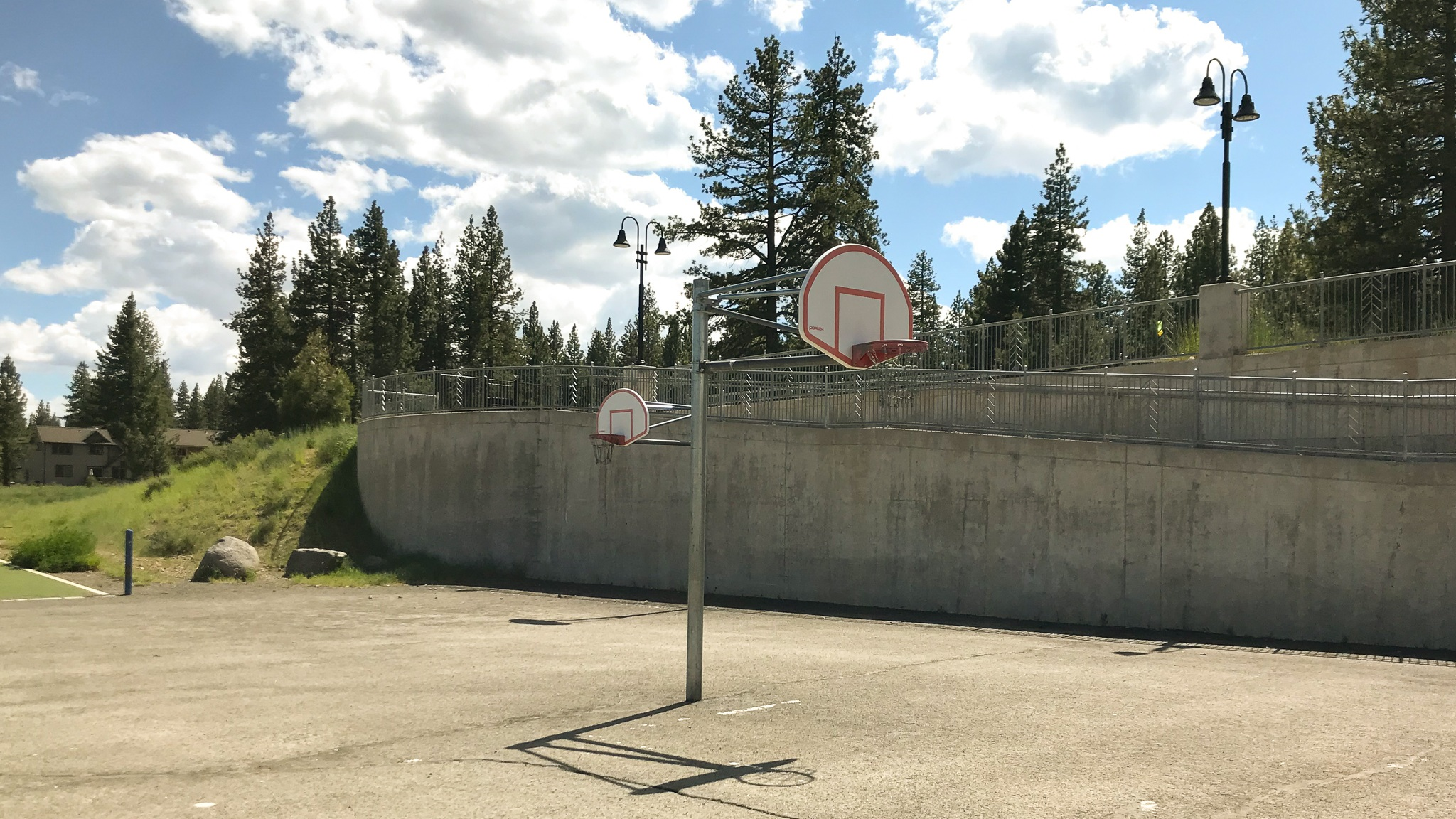 Truckee+basketball+at+elementary+school