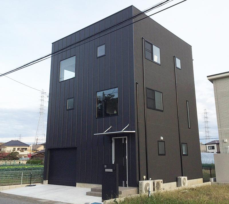 インナーガレージをプラスしたゼロキューブは3階建て。