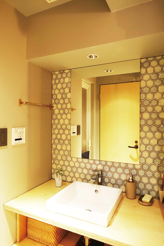 じっくり時間をかけて選んだ洗面室のタイル。