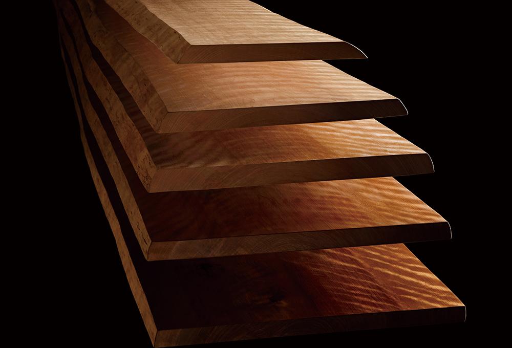 木目、照り、色彩を繊細にコントロールするパナソニックの独自技術「木質エイジング技術」でつくられた「マイスターズ・ウッド」を使用した、アーキスペックシリーズ。特殊な水熱処理により、木目を際立たせ、表現できる色領域を広げ、照りを引き出しています。