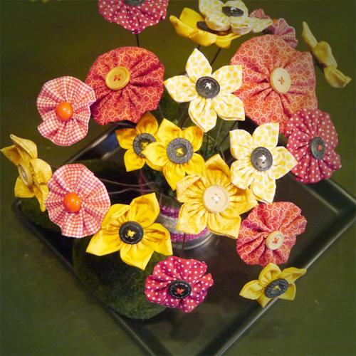 Fabric_Flowers_Free_Tutorial.jpg