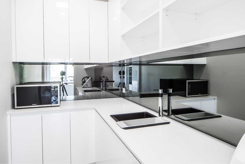 Magno Kitchens