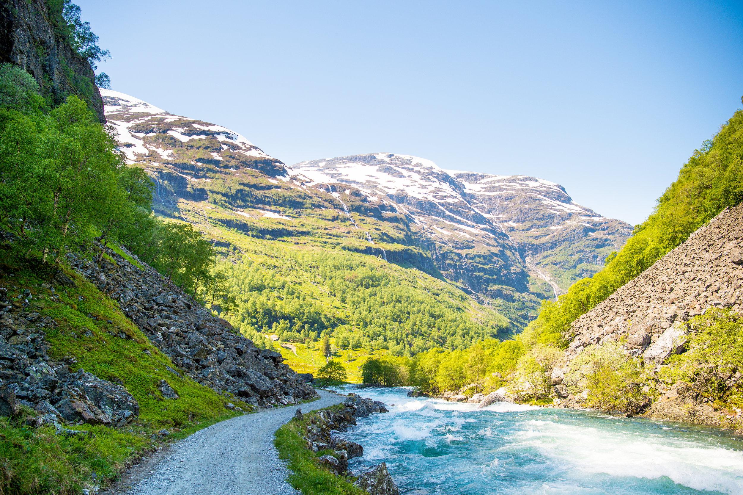 Flamsdalen-sverrehjornevik com Flåm AS ORG.JPG