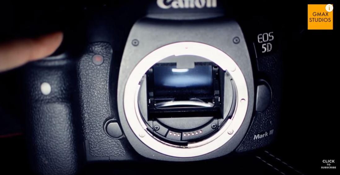 कैमरा का शटर कुछ ऐसे दिखता है |