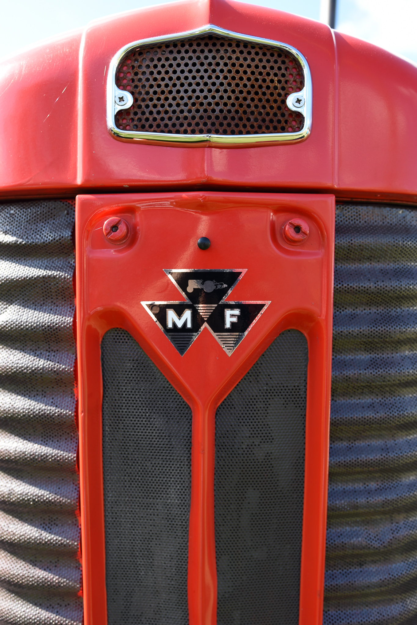 tractor massey ferguson.jpg