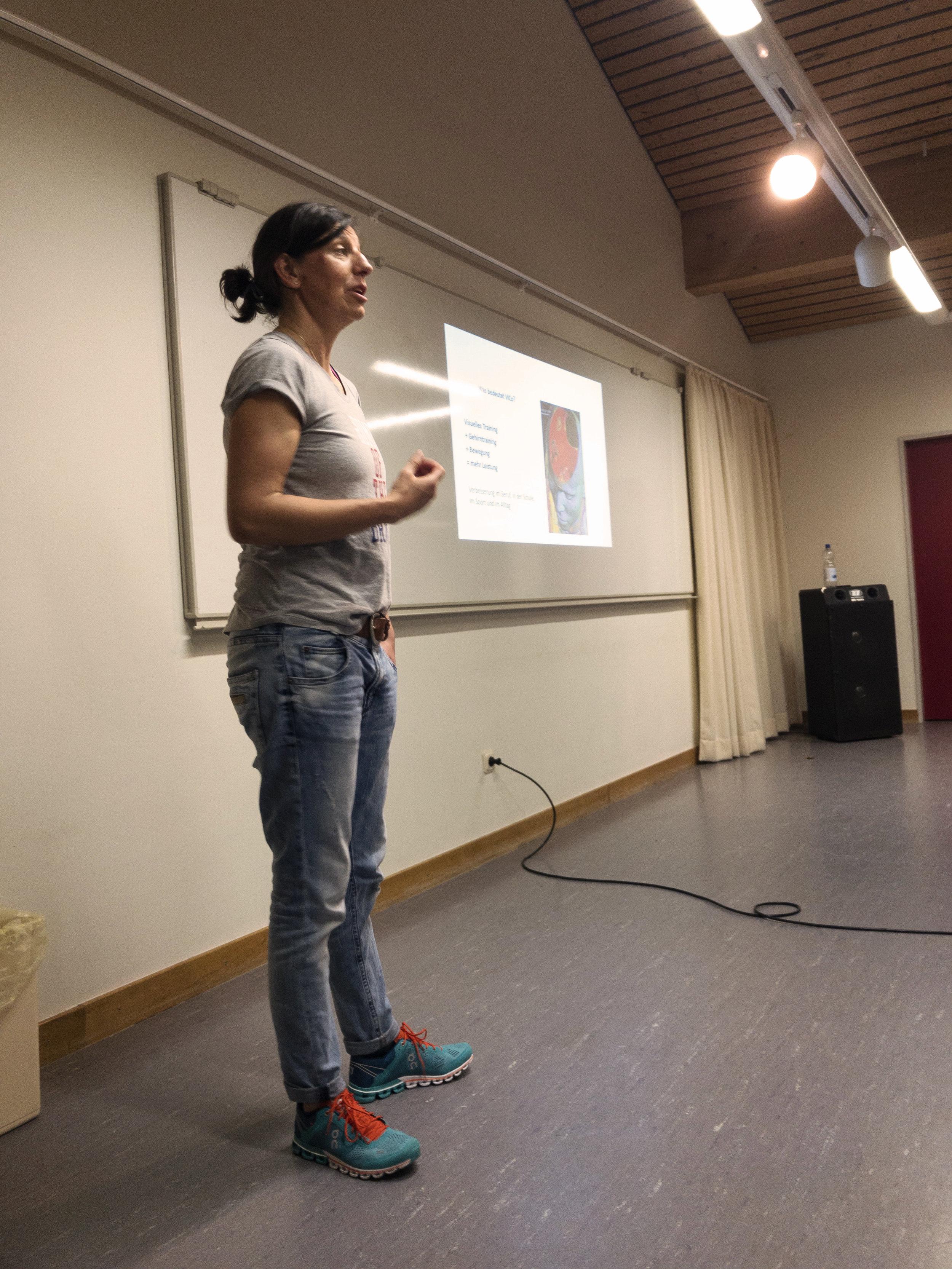 - Neben der Arbeit auf dem Platz, arbeite ich noch als Vortragsreferentin fürViCo und Visual Training
