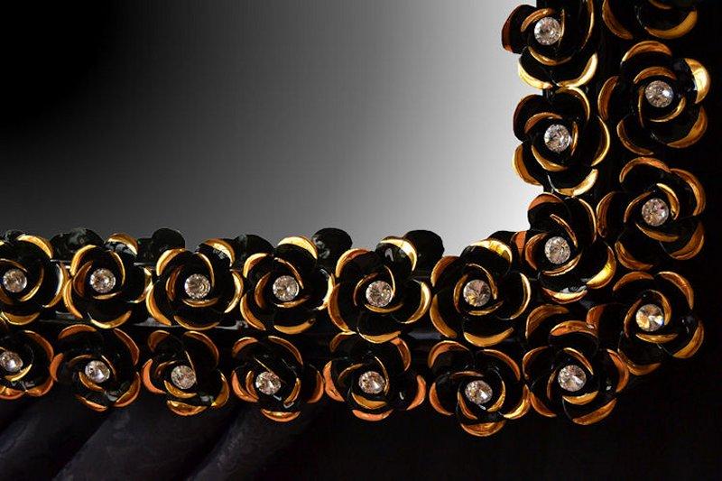 BLACKLINE - Accessori Oro fatti a mano su smalto Nero