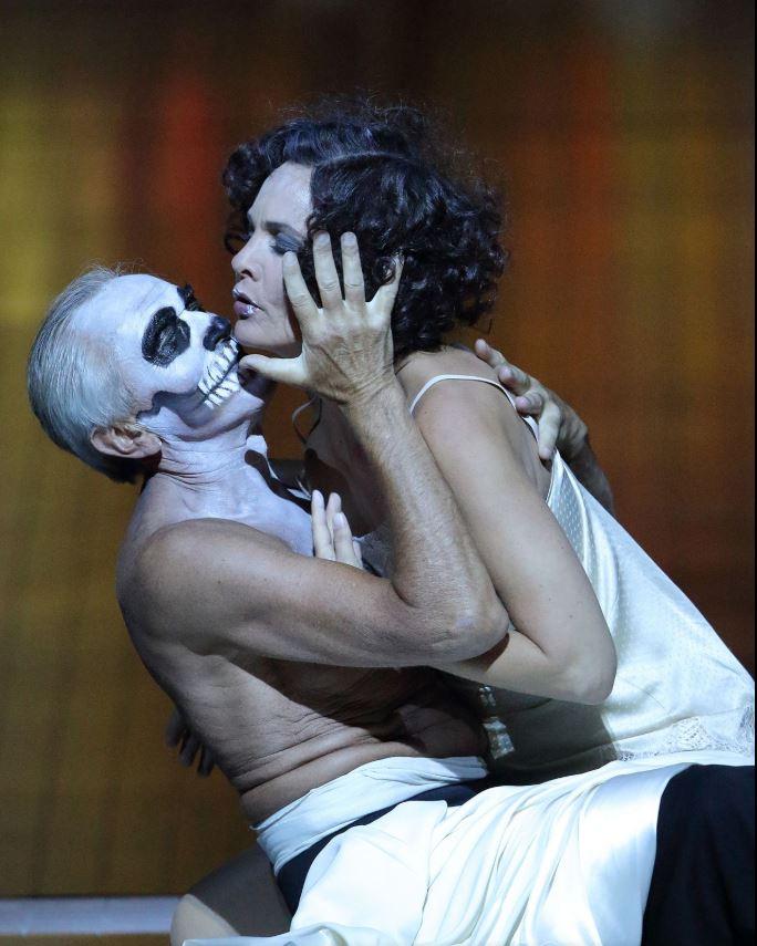 Image taken from the Bayerische Staatsoper website