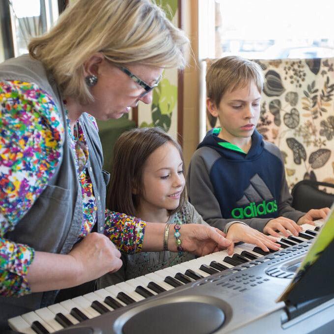 Kids at the Keys/Guitar -