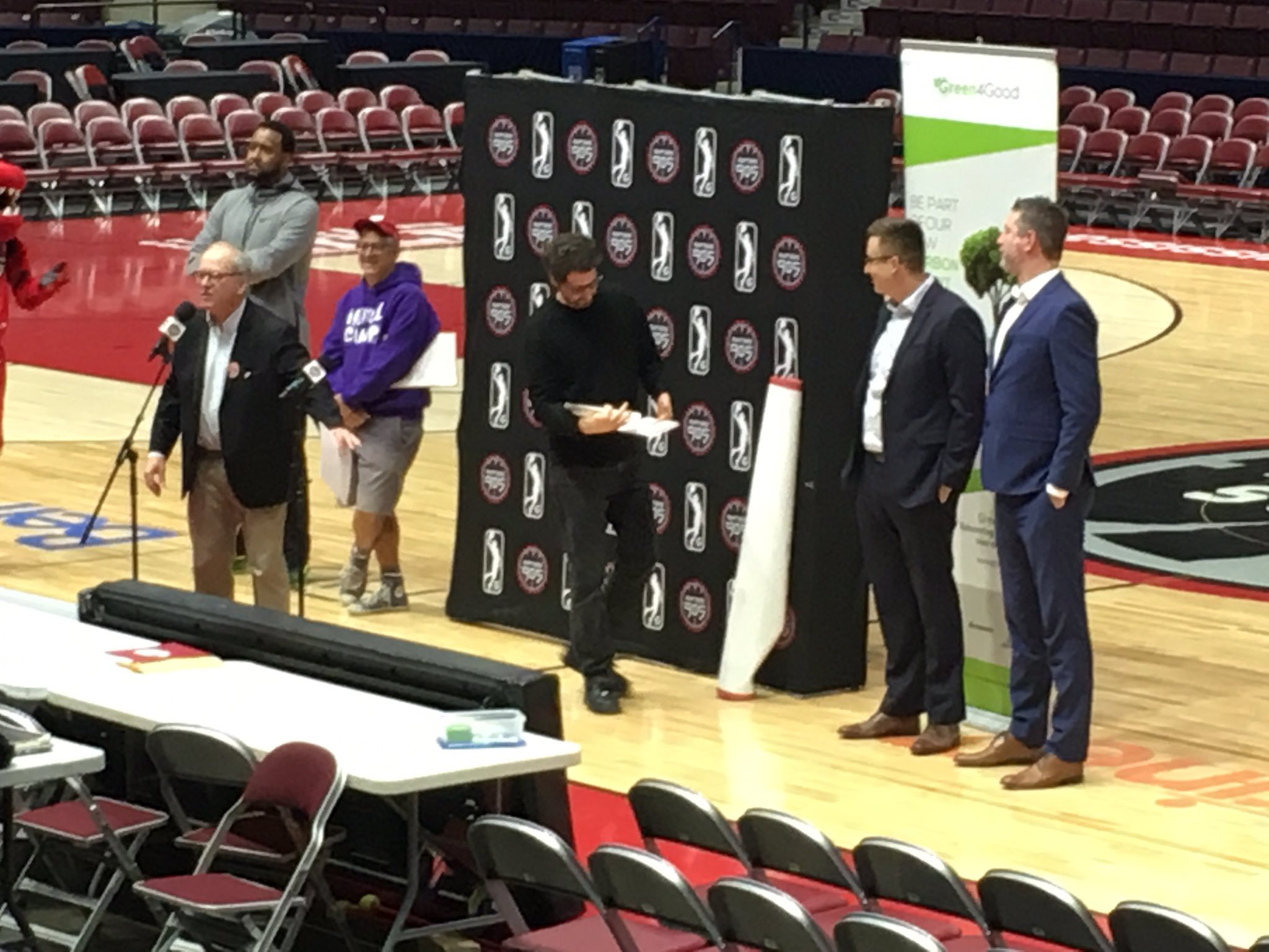 As you can see, I am definitely short than Raptors905 VP John Wiggins (from the Raptors905 celebration in 2019 with First Book Canada).