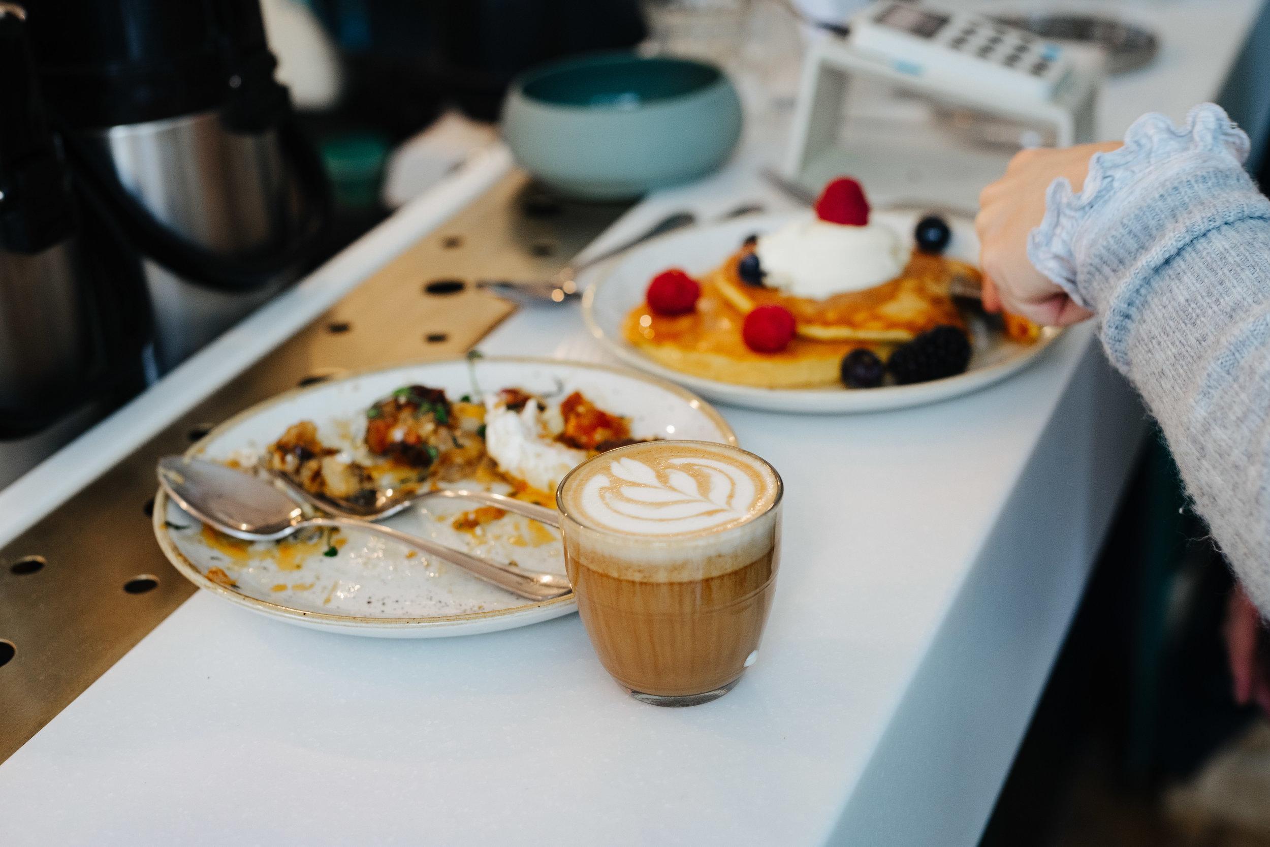 Brunch_Pancakes_Coffee