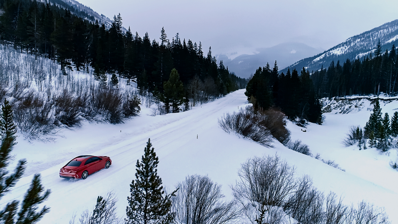 VicHuber-MercedesBenz-WinterDrive-02.jpg