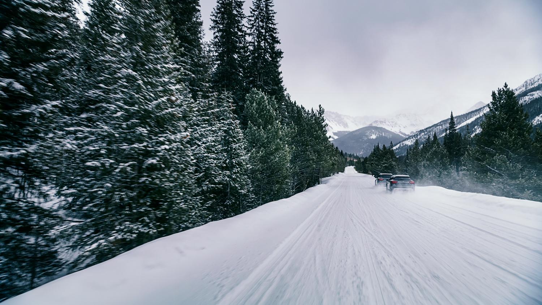VicHuber-MercedesBenz-WinterDrive-04.jpg