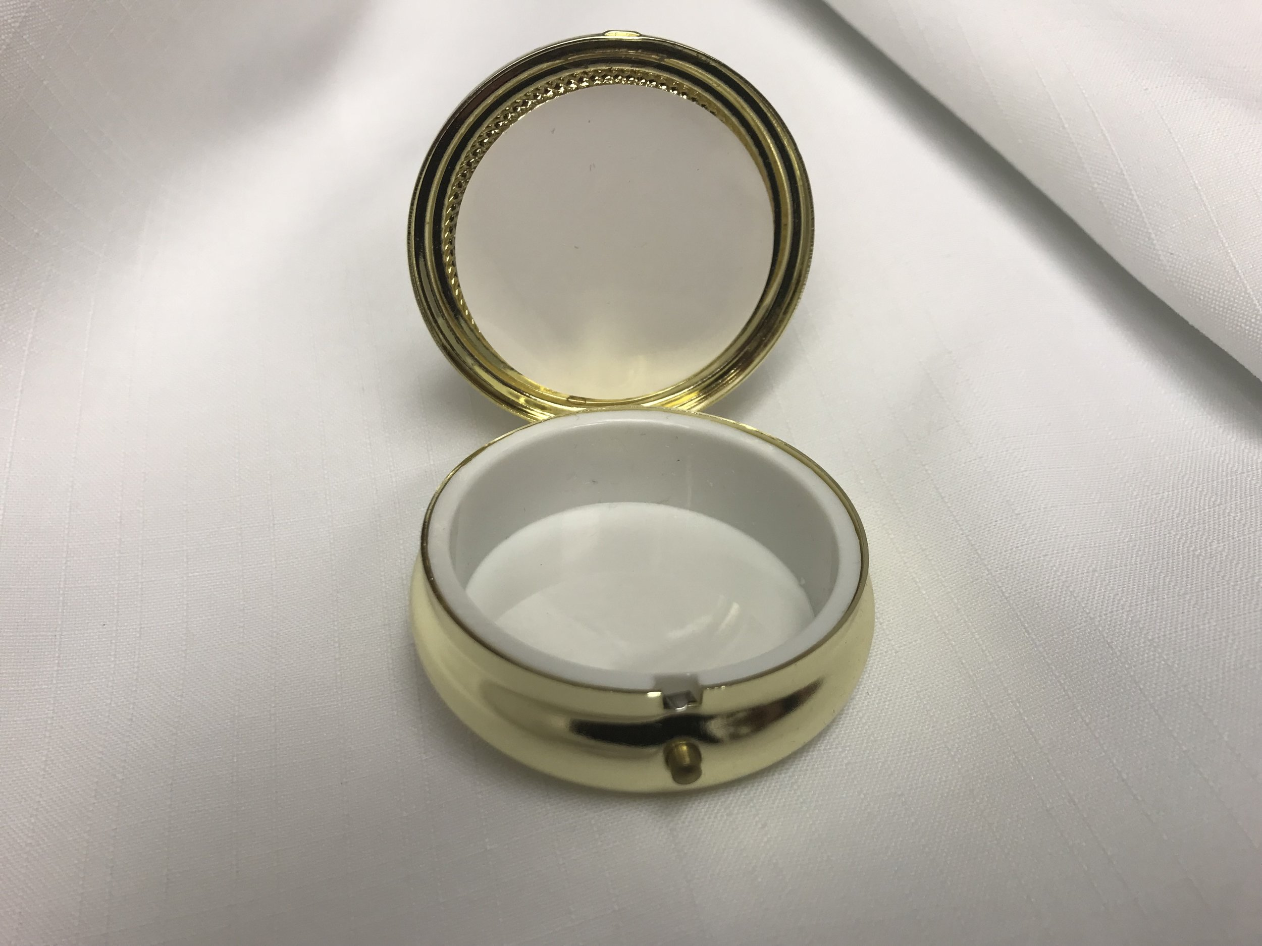 Pyx that holds the Eucharist