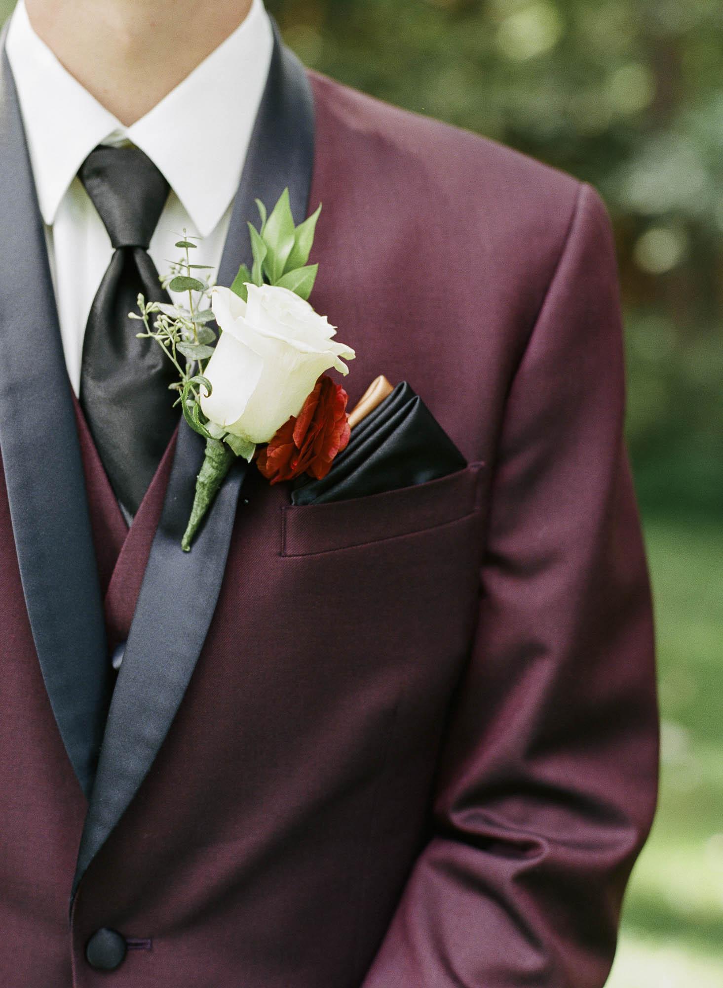 Snyder_8-26-17_bridegroom-000020420013.jpg