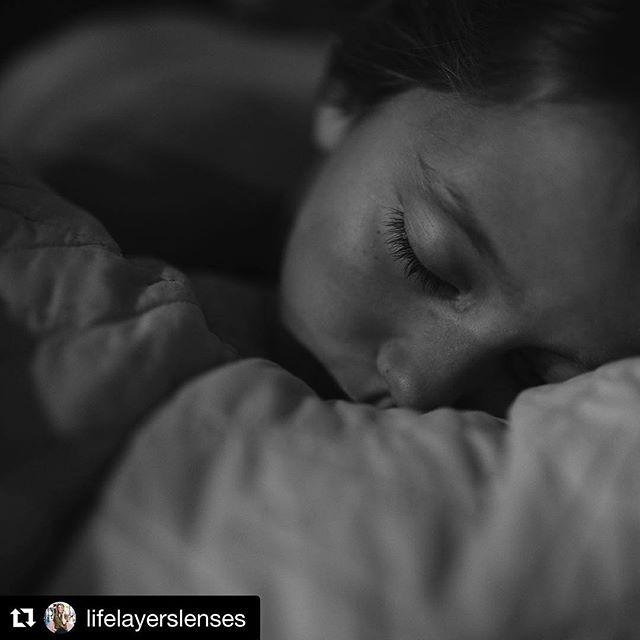 I am in love with this series from @lifelayerslenses. Beautiful. #repost The anatomy of waking Emerson. • • • • #sleepyhead #blackandwhite #unposedcollective #reallife #documentarystyle #rawlife #lowlightphotography #lowlight