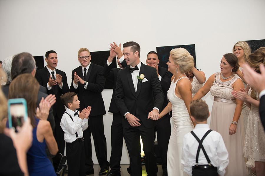 candid-urban-wedding028.jpg