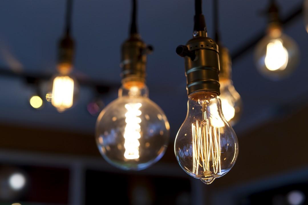 light-bulbs-e1443824026361.jpg