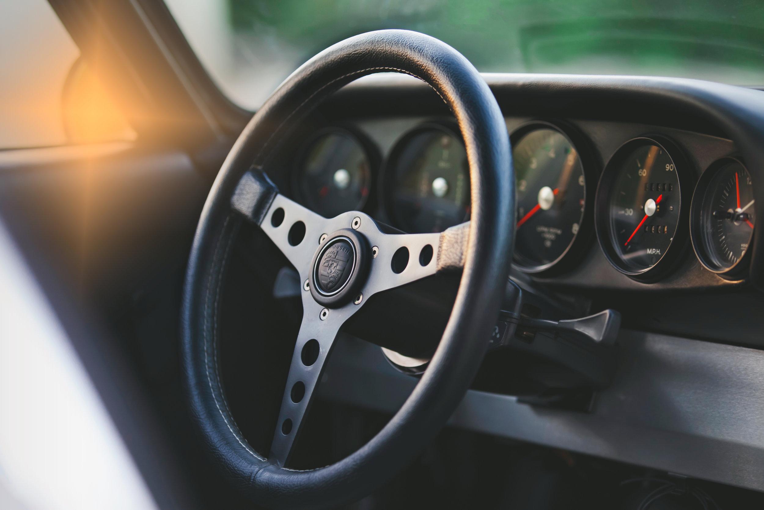 911T-R.jpg