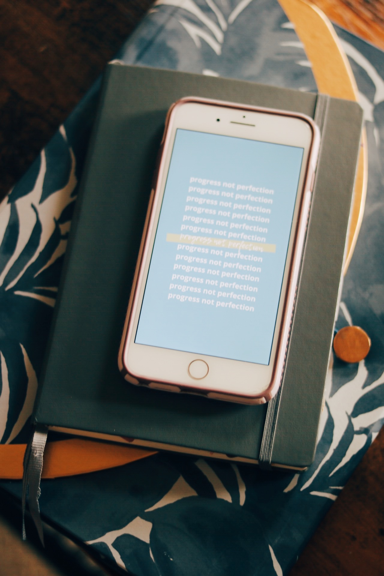 free iPhone backgrounds, monthly free iPhone backgrounds, email newsletter for women, am coffee collective