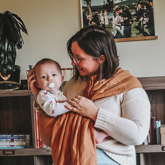 Our babywearing journey, so far:  178 days Almost 6 months 2 planes More than 4,000 miles Georgia, Washington, Alaska  @wildbird has given me a way to face my anxiety about leaving the house, a way to bond with my baby when breastfeeding didn't work for us, way more cuddles than we can count, helped me get through a cross-country move with a newborn, a community when I was in the throes of new motherhood, and so much more. I'm so happy I took a leap of faith and purchased my first WildBird. I find myself already getting sad that our days of babywearing are going to eventually come to an end but I am so glad for these memories of #wearinguyagak.  Swipe ⏩ for babywearing spam! . . . . . #madeinmomjeans #internationalbabywearingweek #mywildbird #mywildbirdwillow #mywildbirdmyna #mywildbirdkea #mywildbirdnutmeg #mywildbirdbluebird #mywildbirdbali #mamabird #letthembewild #fallingforwildbird
