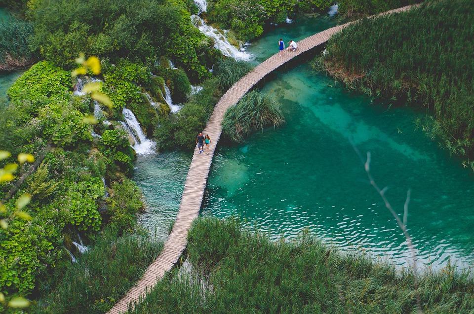 Plitvice Lake 4.jpg