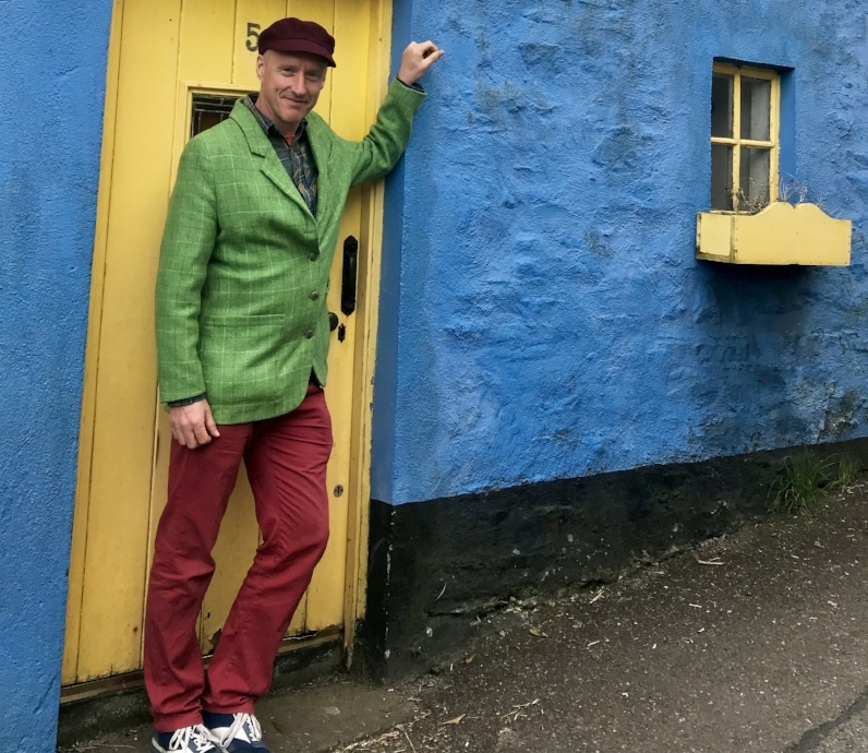 Your Irish-Native guide:   For our May '19 and May '20 dates as well as custom dates, our fantastic local guide is there to provide the perfect Irish experience. Damian hails from Limerick and is a fountain of information on the culture, geography, and interesting facets of history that make up Ireland's unique character.  In addition to guiding our small-group tour, Damian also heads up Cork city's infamous 'Ghost Tour' -- one of Cork's top activities on Trip Advisor with well over a hundred all-star reviews.  You simply could not have a better Irishman to show you around Ireland's west coast!