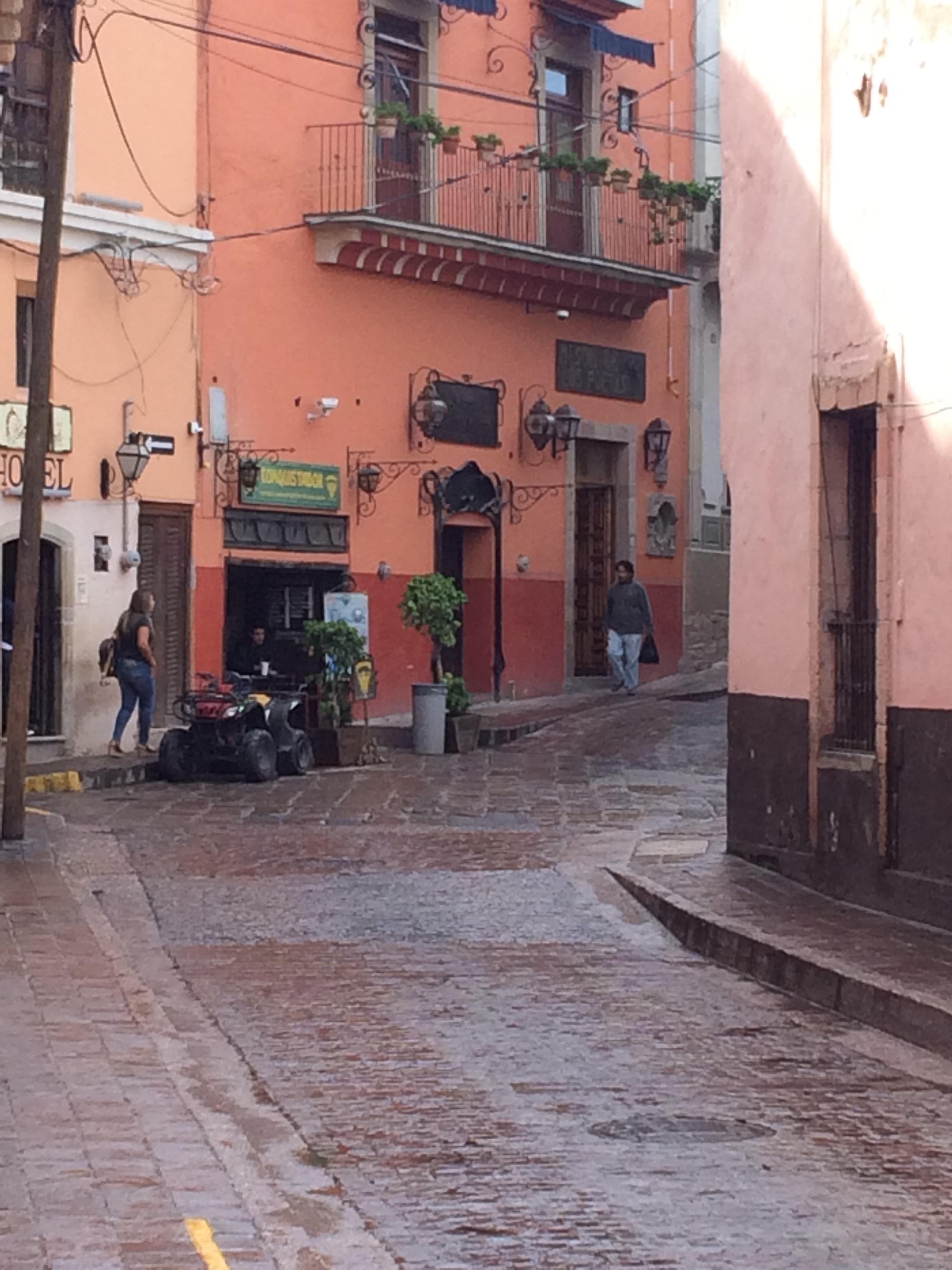 cobblestones guanajuato.jpg