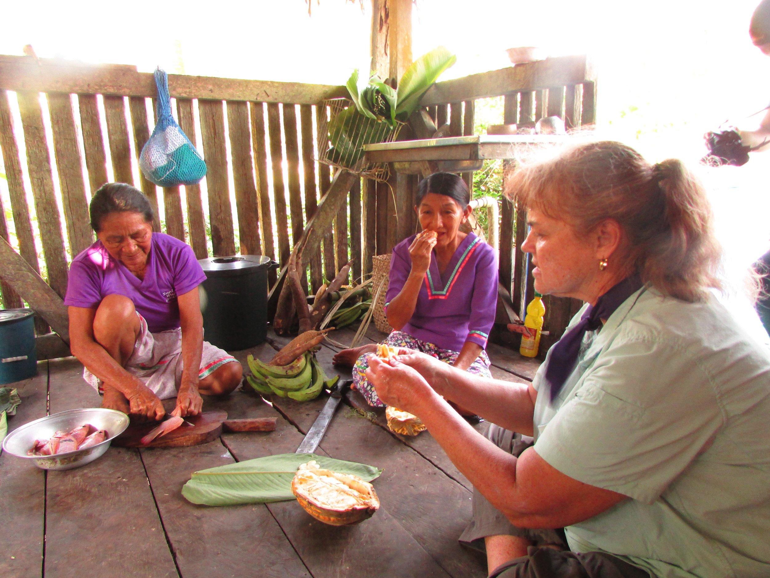 Cooking with the Sani Warmi women's lodge in  Ecuador